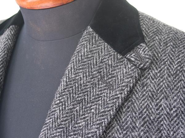 ジャケットの上衿をベルベットなど別素材で