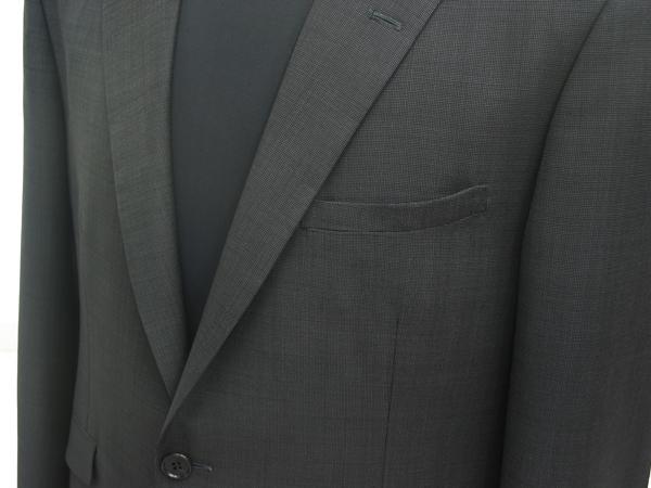 浅い胸ポケット