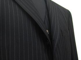 黒調貝釦ベスト付き3ピーススーツ|クラシコ