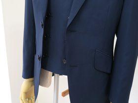 シングルジャケット+ダブルベストのスリーピーススーツ