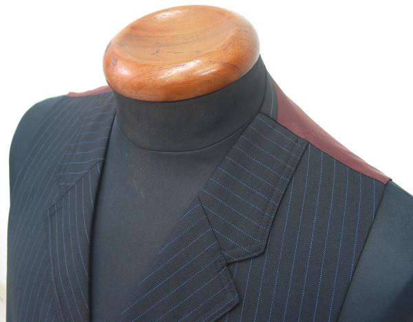 衿付きベストのカラーとラペル