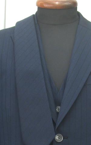 ネクタイをスーツと同じ生地で作る