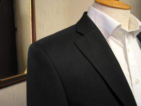 クラシコタイプラペルのスーツ