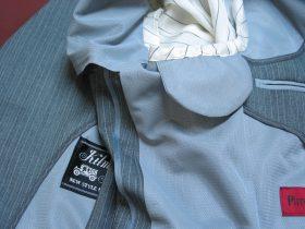 夏用ビジネススーツにメッシュ裏地、袖裏共取り、メッシュ脇当て