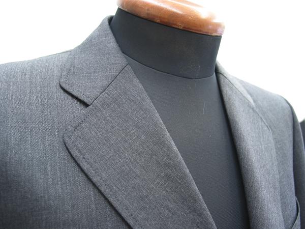 衿型クローバーラペルで作るコンポラスーツ