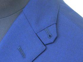 ジャケットの衿タブ(スロートタブ)