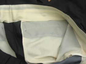 パンツの腰裏・袋布を軽量仕立てで