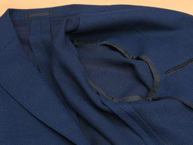 軽い仕上がりの広見返し・背裏なし・袖裏なしのジャケット裏仕立て