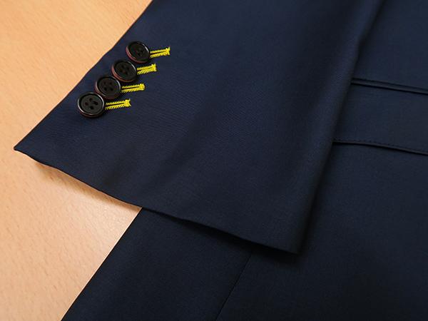 ジャケットの袖本開き(本切羽)を斜めにする