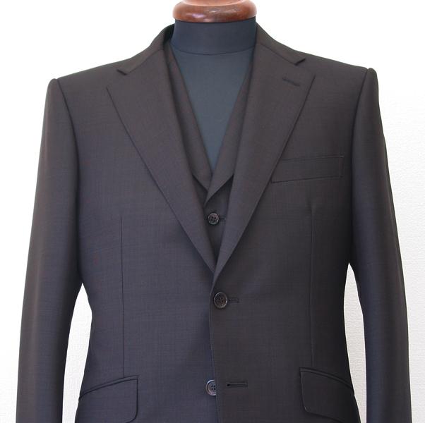 秋色こげ茶のピンチェック・ブリティッシュスーツ。 ピンチェックは、ピン(針先)の頭ほどの小さなドットを、並べた ビジネス(…)