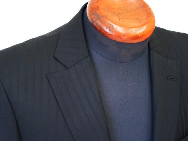 Ex-madeラインでお仕立ていただく、レギュラースーツの ゴージ位置・高さを3段階でご指定いただくことができるように(…)