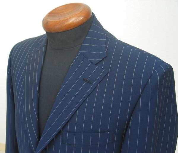 ビジネス用スーツも明るめの色が多くなり、ストライプ巾も 細めから太めのスーツをお選びいただく方が多く(…)