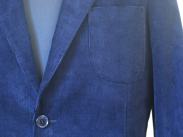 コーデュロイを扱う生地ブランドの中で、イタリアでは名門とされている ドゥカ・ヴィスコンティ(DUCA VISCONTI DI MODRONE)の(…)