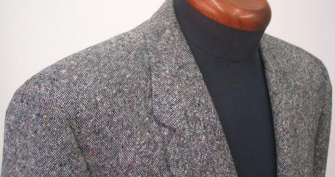 グレーホームスパン・衿型クローバー