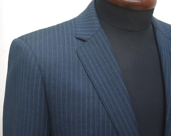 ジャケット丈を短めに仕立ててみたいとお考え方におススメなのが、 カスタムラインのショートナローのスーツモデル。 Pitty(…)