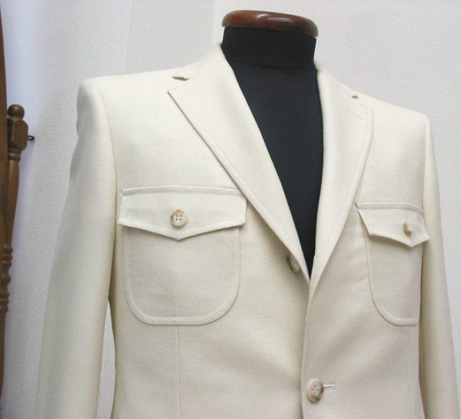 胸ポケットアウトフタ付き(フタ角型ベース)