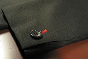袖釦中1個・穴かがり色糸赤(Ex-made)